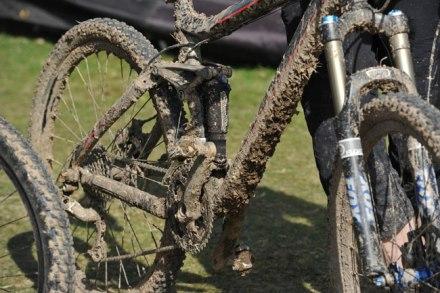 dirty-mountain-bike